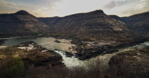 Lower Moemba Falls is just upstream from the damsite